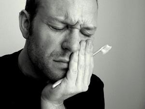 Болит нёбо во рту во время еды чем лечить