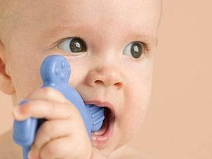Когда режутся зубы у детей чем обезболить