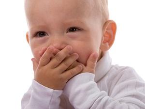 как выглядит молочница во рту у ребенка