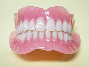изготовление съемных зубных протезов