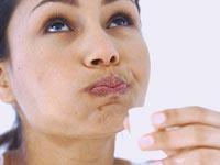 чем полоскать рот после удаления зуба